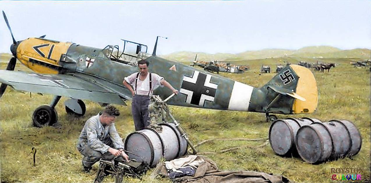 37 Stunning colorized images of Axis Warbirds and Pilots ...
