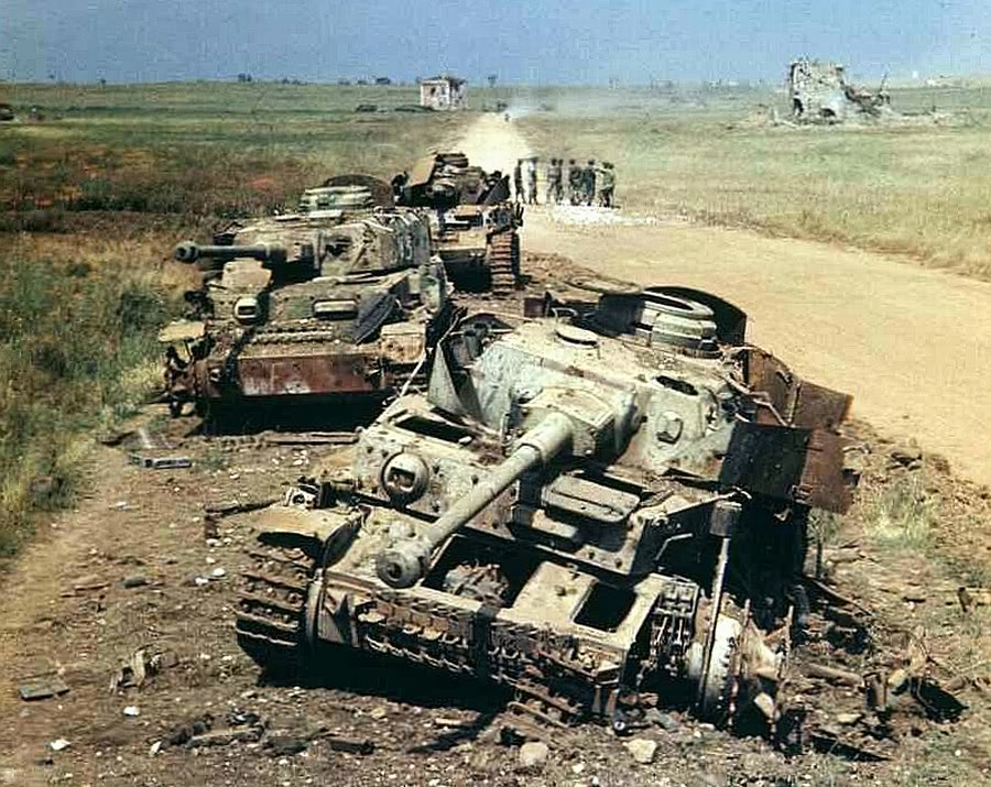 28 Stunning Images Of German Tanks Knocked Out Abandoned