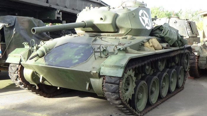 For sale US Tanks: 1944 Sherman M4 for restoration and