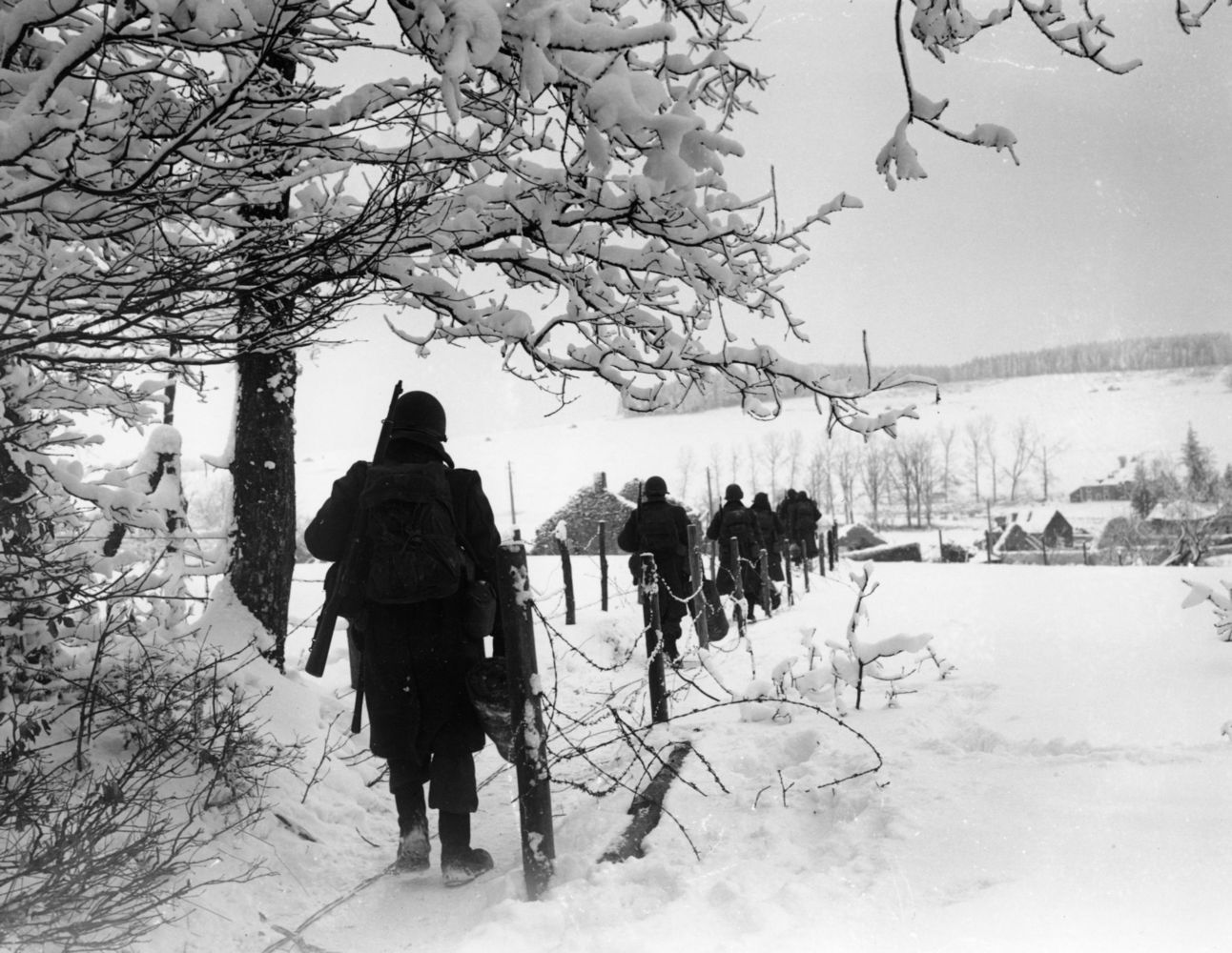 Battle Of The Bulge Pictures American infantrymen d...