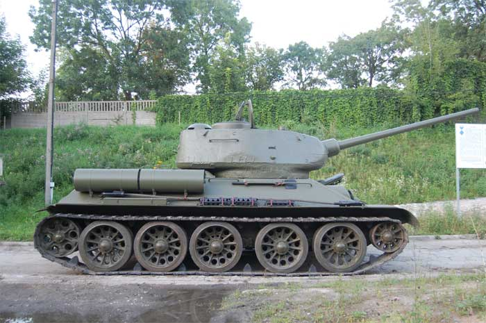 for sale all i want for christmas is a ww2 soviet t 34 85 medium tank